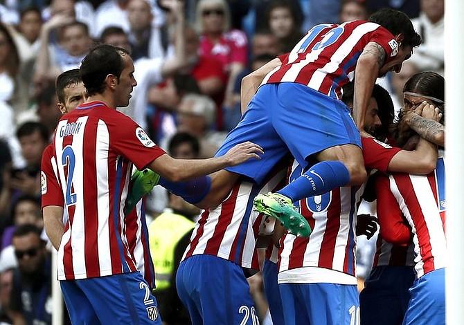 El Atlético de Madrid ganó al Espanyol y sigue tercero