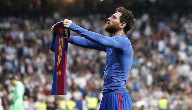 El Real Madrid le responde al Barcelona con una goleada al Deportivo