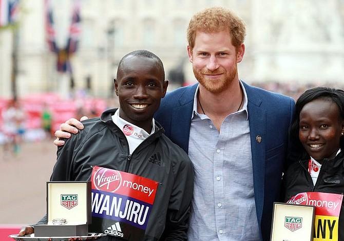 Kenianos obtienen doble victoria en el Maratón de Londres 2017