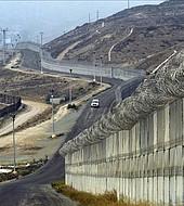 Trump aun no tiene fondos para el muro
