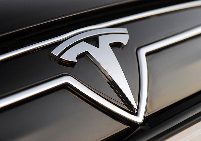 Tesla enfrentaría demanda en California por Autopilot