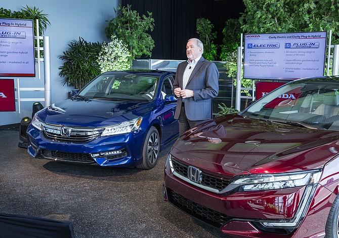 Con solo 80 millas de rango, Honda decepciona con el nuevo Clarity EV