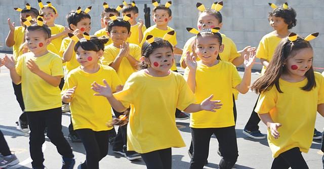 La cultura tailandesa también estuvo representada por estos niños de la escuela primaria. Foto: Horacio Rentería/El Latino San Diego.
