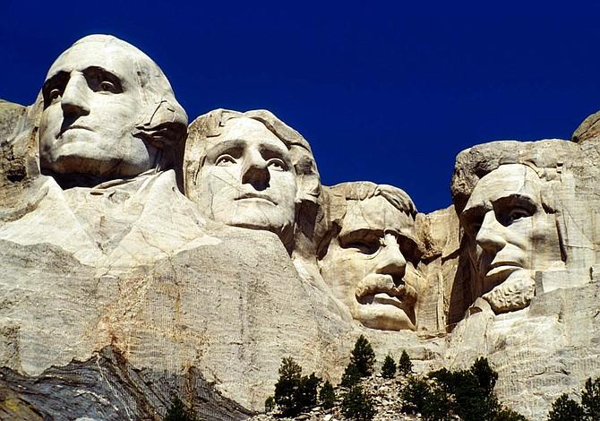Coalición Next 100 reprueba revisión de monumentos nacionales