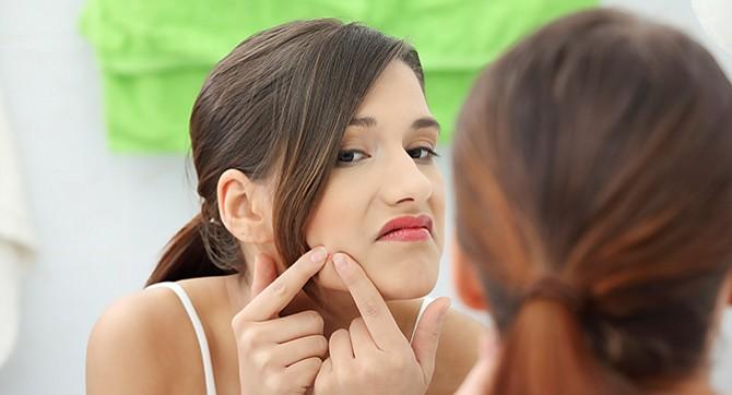 Evita los poros  abiertos en la cara