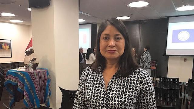 Cónsul de Perú Ana cecilia Gervasi durante el evento en DC.