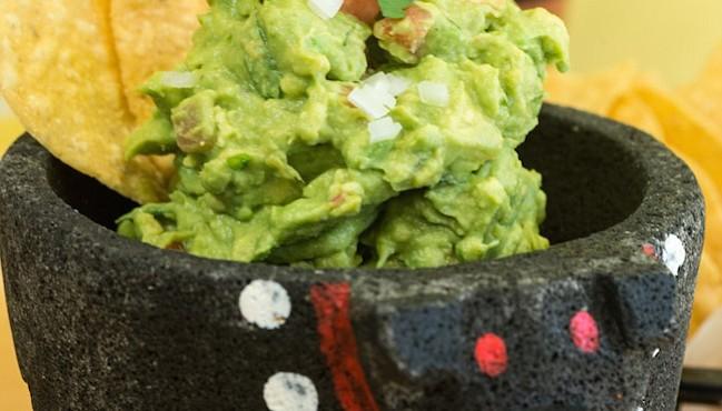 TRADICIONAL. Ahora es más caro para los restaurantes preparar el tradicional guacamole.