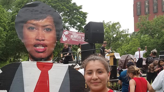 PROTESTA. Según Brenda Pérez de MLOV, la Alcaldesa Bowser no ha recibido a grupo de estudiantes inmigrantes de DC.