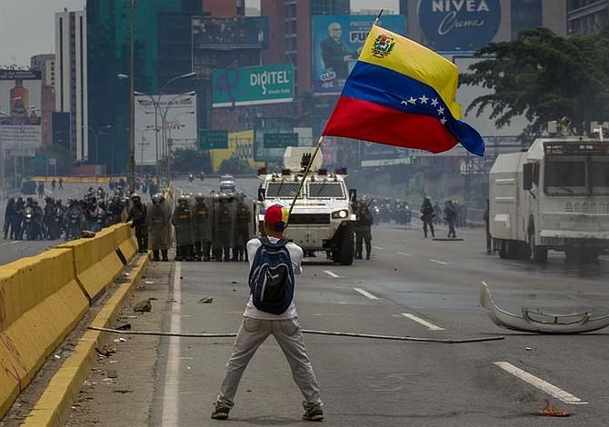 Comisión bipartidista pide a Trump llevar situación de Venezuela al Consejo de Seguridad de la ONU