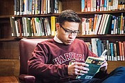 Alfredo Garcia, un mexicano de 25 años, estudia una maestría en la escuela de Teología de Harvard University