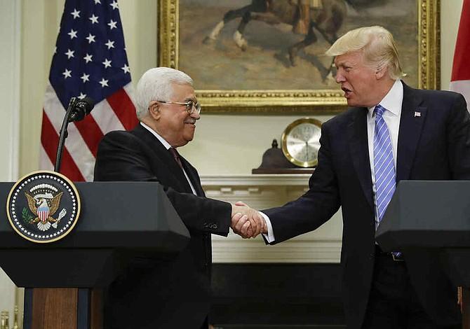 Trump pone más cerca nuevas negociaciones de paz entre palestinos e israelíes