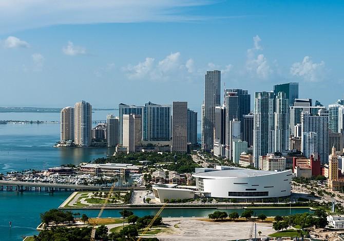 Douglas Elliman: Estabilidad en mercado inmobiliario de Miami