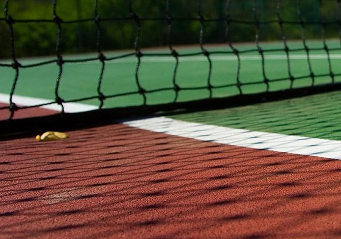 El Campeón defensor del Abierto de Madrid Novak Djokovic avanzó a tercera ronda