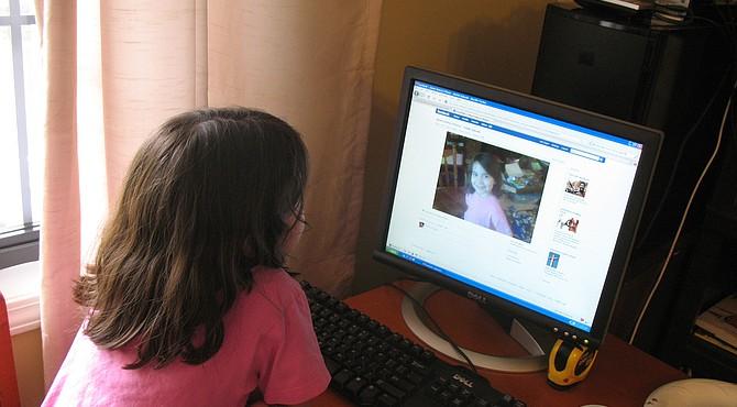 Se recomienda preguntar al niño antes de publicar su foto en las redes sociales