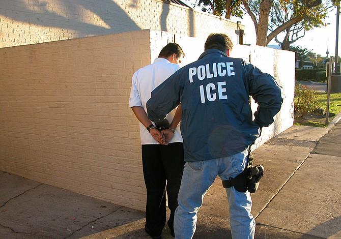 ICE arrestó a más de 1.300 pandilleros en 6 días de redadas, la mayoría son americanos