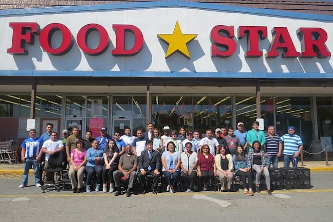 Histórico supermercado cierra sus puertas en Arlington y se muda a Alexandria