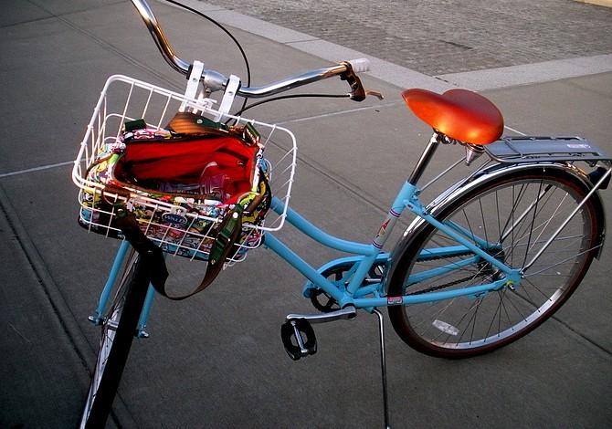 MIÉRCOLES: Ve al trabajo en bicicleta y MassDOT te invita el desayuno