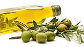 El aceite de oliva es superior a otros aceites vegetales, y muy recomendable como aderezo en ensaladas o al cocinar en el horno.