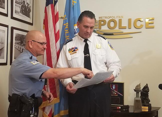 Policías de DC quieren mejorar vínculos con nuestra comunidad