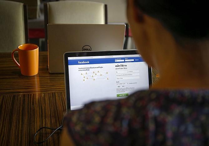 Tailandia rectifica y dice que no bloqueará Facebook