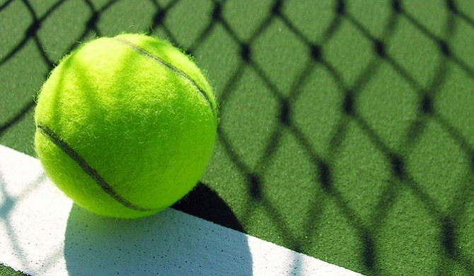 Novak Djokovic arrancó con buen ritmo en Roma al vencer al británico Aljaz Bedene