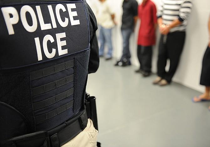 Mueren en una semana 2 inmigrantes en centros de detención de EEUU