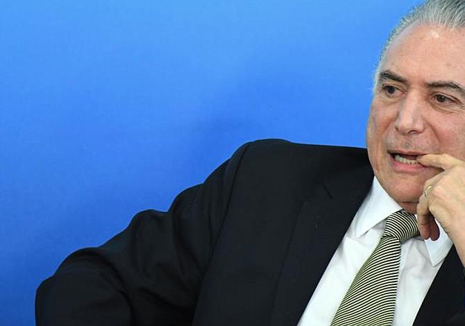 Brasil debate abiertamente la renuncia o destitución de Temer