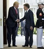 El presidente Santos recibido por Trump en la Casa Blanca