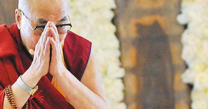 Fotos cortesía de los amigos del Dalai Lama.  Uno con el rector Khosla de la UCSD en la India.