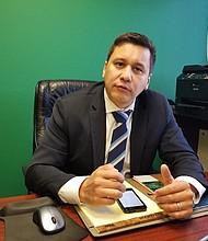 EXITOSOS. Carlos Romero, Presidente de la SACOC explica que en la comunidad salvadoreña-americana hay  muchos empresarios que han llegado lejos.