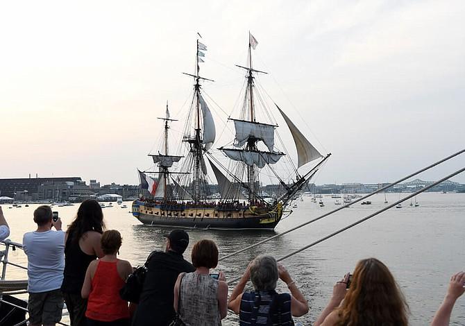 JUNIO: Histórico desfile de barcos de diferentes países viene al puerto de Boston