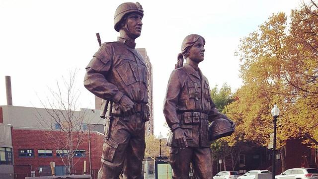 El Monumento a los Veteranos de Puerto Rico fue inaugurado en 2013 y representa los sacrificios hechos por los veteranos de Puerto Rico que han servido en las Fuerzas Armadas desde la Guerra Revolucionaria hasta el presente.