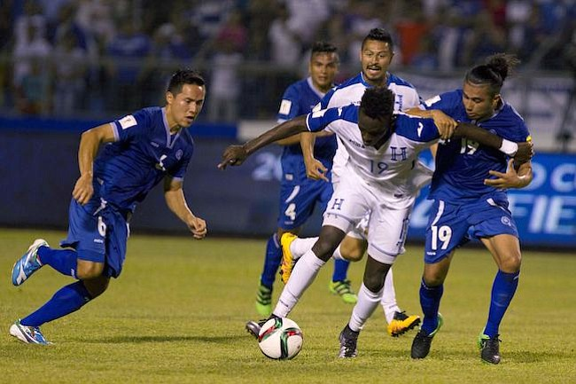 El Salvador y Honduras juegan como en casa