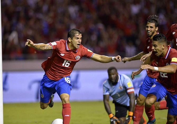 Costa Rica se entrena para ganar 6 puntos decisivos que lo lleven al Mundial