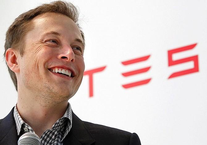 Más dudas sobre la capacidad de Tesla para tranquilizar a los mercados