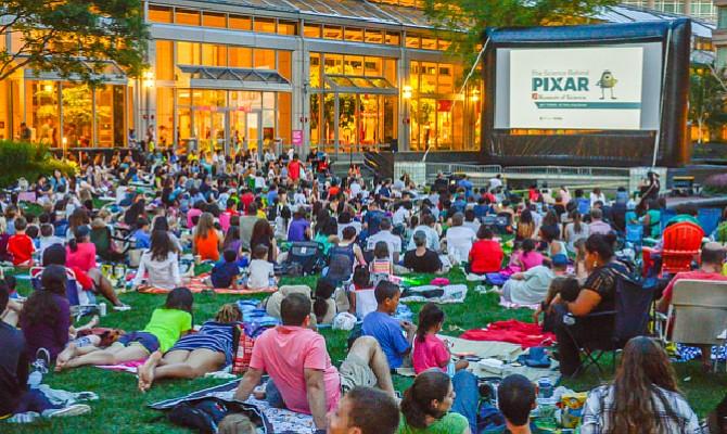 Seis lugares para ver películas gratis al aire libre este verano en Boston