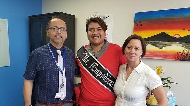 RESPETO. Manuel Díaz Ramírez (Izq), Carlos Martínez y Alicia Wilson (der) fomentan el respeto a los derechos humanos.