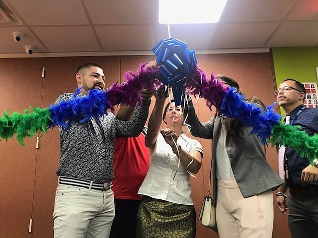 APOYO. Con la inauguración del nuevo centro en Langley Park se abre otra puerta de apoyo a la comunidad LGBTI.