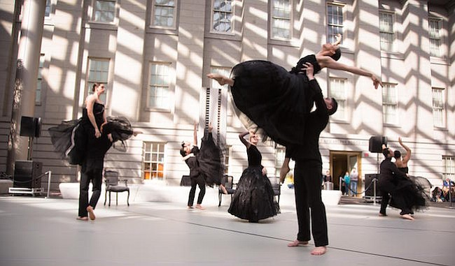 """Presentación de la compañía de baile """"Dana Tai Soon Burgess"""" en la Galería Nacional de Retratos del Smithsonian"""