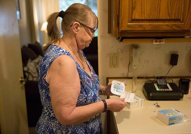 Pacientes del Medicare luchan por obtener sus medicinas… para poder respirar