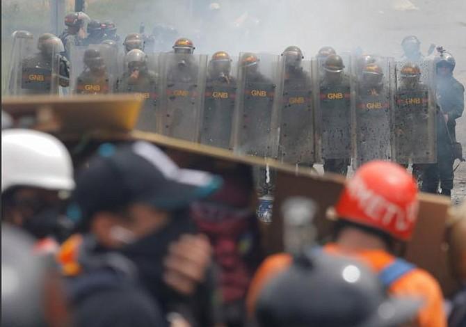 Venezuela: Denunciados penalmente a Maduro, magistrados y rectoras ante Fiscalía