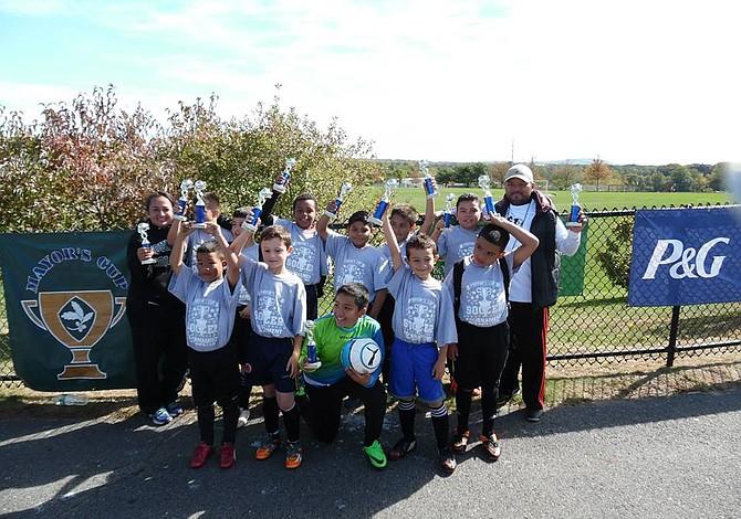 NIÑOS Y JÓVENES: Inscripciones abiertas para dos ligas de fútbol en Boston