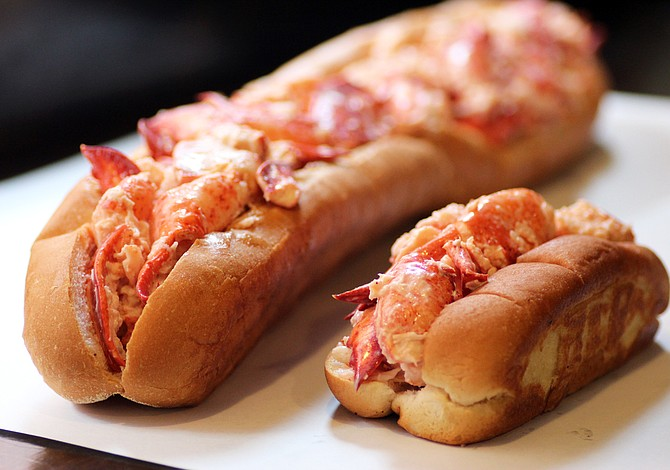 "Restaurante local crea el ""lobster roll"" más grande de Nueva Inglaterra"