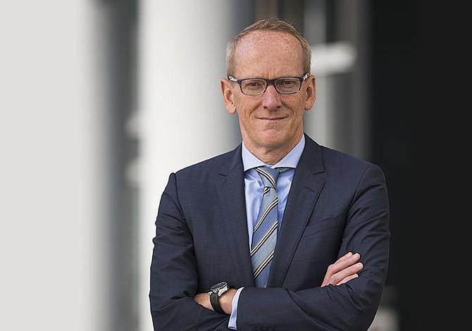Renunció presidente de Opel antes de pasar a PSA