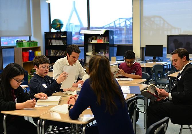 Políticos, directivos y ejecutivos se unieron a estudiantes de BPS para un club de lectura