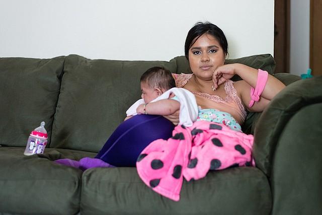 María, ciudadana estadounidense, fue infectada con el virus Zika transmitido por mosquitos mientras vivía con su esposo y sus padres en Colima , México, el año pasado.