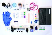KIT. Instrumentos y materiales que llevan los doctores a las visitas a sus pacientes a domicilio.