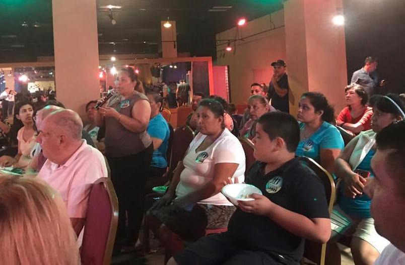 Asistentes del último taller de inmigración en el Centro Cultural Verónica Robles, el pasado 12 de junio
