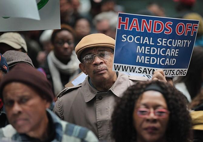 Un millón de latinos en Florida en riesgo de perder Medicaid