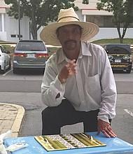 HELADERO. El mexicano Abundio Márquez Castro.